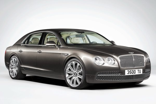 Bentley представил Continental Flying Spur